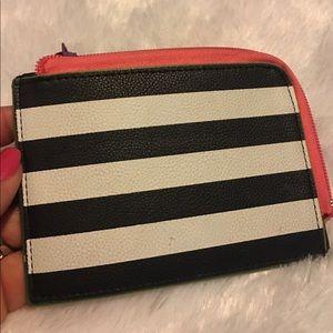 Striped gift card holder.